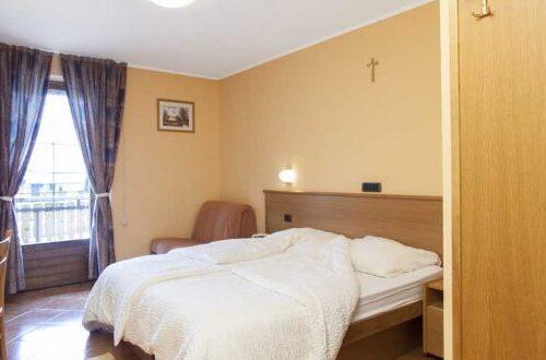 hotel-lanz-livigno-camera-confort-letto-750x330