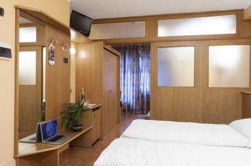 hotel-lanz-livigno-camera-familiare-letto-750x330